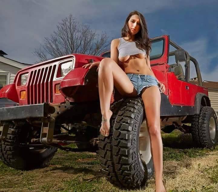 3cba42f1d099f7daba802472664dc8ae  jeep girl jeep stuff